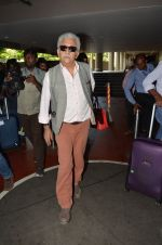 Naseeruddin Shah snapped at airport in Mumbai on 28th May 2016 (33)_574a937ed652c.JPG