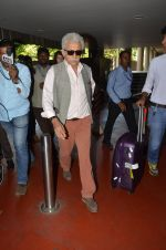 Naseeruddin Shah snapped at airport in Mumbai on 28th May 2016 (34)_574a937fb7fae.JPG
