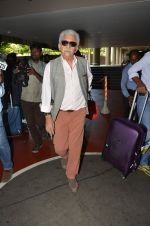 Naseeruddin Shah snapped at airport in Mumbai on 28th May 2016