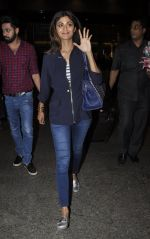 Shilpa Shetty snapped at airport in Mumbai on 28th May 2016