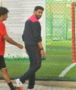 Abhishek Bachchan snapped post soccer match on 29th May 2016 (7)_574bc7f6f009b.JPG