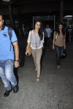 Shraddha Kapoor snapped at airport on 29th May 2016 (14)_574bc87164fea.JPG