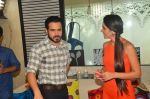 Emraan Hashmi on the sets of Tara Sharma show on 30th May 2016 (19)_574d3d55a45be.JPG
