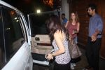 Preity Zinta and Suzanne Khan snapped at dinner on 30th May 2016 (16)_574d3c85a699a.JPG
