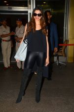 Deepika Padukone returns to Mumbai on 1st June 2016