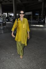 Hema Malini snapped at airport in Mumbai on 2nd June 2016 (15)_57512813649a7.JPG