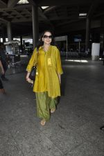 Hema Malini snapped at airport in Mumbai on 2nd June 2016 (19)_5751281b190ee.JPG