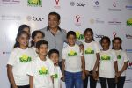 Abhijeet Bhattacharya at Virat Kohli_s charity auction in Mumbai on 3rd June 2016 (55)_5752dfaf50c24.JPG