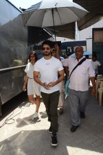 Shahid Kapoor snapped in Mumbai on 3rd June 2016