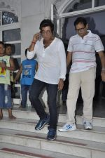 Shakti Kapoor snapped at Vikas Mohan_s prayer meet on 3rd June 2016 (60)_5752d6d3c465b.JPG