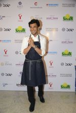 Vikas Khanna at Virat Kohli_s charity auction in Mumbai on 3rd June 2016 (92)_5752e0b311368.JPG