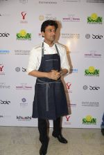 Vikas Khanna at Virat Kohli_s charity auction in Mumbai on 3rd June 2016 (93)_5752e0b60c46e.JPG