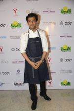 Vikas Khanna at Virat Kohli_s charity auction in Mumbai on 3rd June 2016 (94)_5752e0b76d2fc.JPG