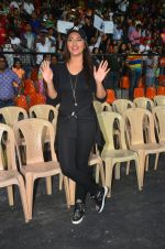 Sonakshi Sinha at celebrity soccer match in Mumbai on 4th June 2016 (11)_575400e653244.jpg
