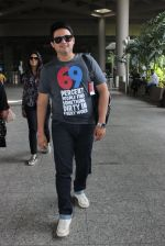 Swapnil Joshi snapped in Mumbai airport on 4th June 2016 (18)_5754071cc9383.JPG