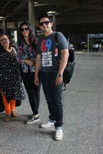 Swapnil Joshi snapped in Mumbai airport on 4th June 2016 (20)_5754071f0df88.JPG