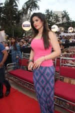 Zarine Khan at Asif Bhamla foundation event on world environment day in Mumbai on 5th June 2016 (109)_57551b5c71746.JPG