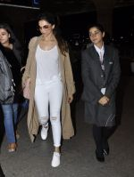 Deepika Padukone snapped at airport on 6th June 2016