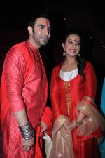 Sandip Soparrkar with Amruta Phadnis Power Walk to revive Maharashtrain fabrics at National School Of performing Arts (1)_57564ea434016.jpg