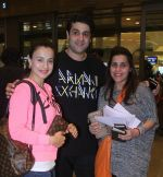 Ameesha Patel at airport on 7th June 2016 (17)_5757b52bde37a.JPG