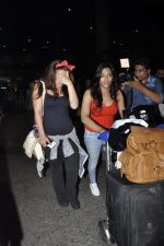 Krishna Shroff snapped at airport on 8th June 2016 (24)_575975fa43658.JPG