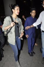 Priyanka Chopra snapped at airport on 8th June 2016 (4)_575976173a625.JPG