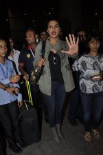 Priyanka Chopra snapped at airport on 8th June 2016 (5)_57597617ca0d2.JPG