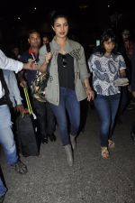 Priyanka Chopra snapped at airport on 8th June 2016 (8)_57597619b7b77.JPG