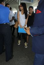 Shraddha Kapoor snapped at airport on 8th June 2016 (4)_5759767c62261.JPG