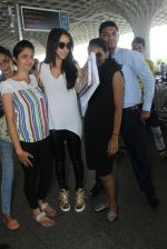 Shraddha Kapoor snapped at airport on 8th June 2016 (6)_5759767ea2a1c.JPG