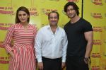 Huma Qureshi, Rahat Fateh Ali Khan and Vidyut Jamwal at Radio Mirchi for Rahat Fateh Ali Khan_s new single Dillagi on 9th June 2016 (2)_575a575a319f9.JPG