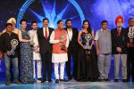Kangana Ranaut and Sania Mirza at CNN IBN Awards on 9th June 2016 (1)_575a81735c98e.JPG