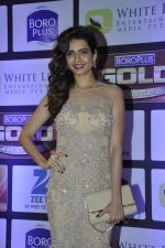 Karishma Tanna at ZEE Gold Awards on 9th June 2016