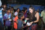 Lauren Gottlieb snapped interacting with street kids on 9th June 2016 (7)_575a82aed1830.JPG