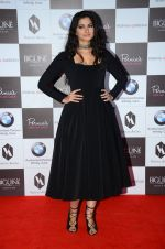 Rhea Kapoor on the red carpet for Perina Qureshi_s show on 9th Jne 2016 (109)_575a83b22826d.JPG