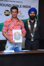 Sharman Joshi & Mr. Harmeet Singh Sethi (Area Chairman - Area 4) at the Press Conference for announcement of Brand Ambassador of global movement Round Table India - 1_575a880b70f22.JPG