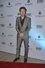 Alex at Jogen Chaudhry_s art event hosted by Gayatri Ruia and ST Regis on 10th June 2016 (78)_575c31a07b670.JPG