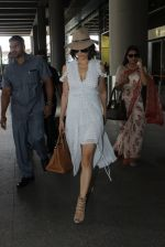 Kangana Ranaut snapped at airport on 10th May 2016