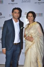 Shobhaa De at Jogen Chaudhry_s art event hosted by Gayatri Ruia and ST Regis on 10th June 2016 (100)_575c31ff9b6fe.JPG