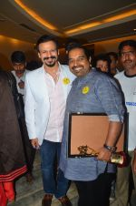 Vivek Oberoi and Shankar Mahadevan at an event to support fight against Tobacco and Cancer and the cause in Mumbai on 11th June 2016 (20)_575d0e4b5a7c2.JPG