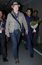 Brendan Fraser snapped at Airport on 13th June 2016 (5)_575ee47be675a.JPG