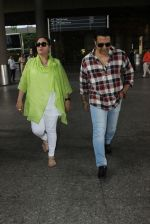 Govinda with wife Sunita Ahuja snapped at Airport on 13th June 2016 (7)_575ee4961ef4a.JPG
