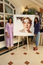 Priya Dutt at Nargis Dutt Foundation art event on 11th June 2016 (92)_575e43f0a2956.JPG