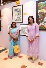 Priya Dutt at Nargis Dutt Foundation art event on 11th June 2016 (95)_575e43f5707b1.JPG