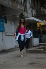 Shilpa Shetty snapped outside a spa in juhu on 14th June 2016 (27)_5760426bc2a6f.JPG