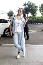 Sonakshi Sinha snapped at airport on 14th June 2016
