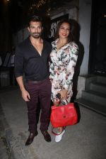Bipasha Basu, Karan Singh Grover snapped at Corner House in Bandra on 14th June 2016 (7)_5760da2e1decb.JPG