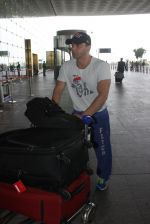 Sohail Khan snapped at airport on 15th June 2016 (4)_576217f253017.JPG