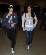 Aarav Kumar, Twinkle Khanna leaves for vacation in Mumbai on 16th June 2016