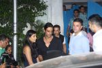 Arjun Rampal snapped post dinner in Bandra on 16th June 2016 (34)_5763ab41a13bb.JPG